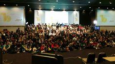 """Comenzamos la semana con la """"foto de familia"""" del Evento Blog España que ha tenido lugar este fin de semana en Sevilla sobre tecnología y web social. Felicitamos a la organización por haber conseguido un ambiente tan interesante y distendido capaz de atraer a tantas personas creativas y con talento. ¡El año que viene volveremos a estar allí!  #EBE15 #10EBE http://www.limagemarketing.es/servicios/ L'image Marketing   Agencia de Publicidad y Comunicación en Sevilla"""
