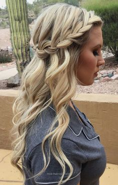 Neat Looking for boho ,effortless and casual hairstyle from prom hairstyle to wedding hairstyle, these half up half down braid hairstyles are perfect for… The post Look ..