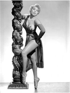 African American Burlesque Performer Jo Ann Norris (1960s)