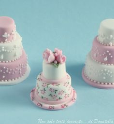 Donatella Semalo: Miniature wedding cakes......these would be sooo cute for a baby shower!