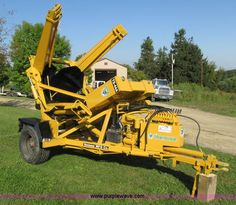 I3826.JPG - Vermeer TS 44A tree spade , 44 quot diameter , Wisconsin gas engine , Model S 2D , Electric start , ...
