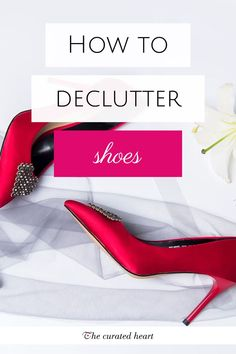 Did you know that most people only wear a few favourite pairs of shoes and everything else is left unused? In fact, some articles suggest that people only actually wear five pairs! So if that is true why do we still hold onto so many different shoes? Declutter Bedroom, Declutter Your Home, Organizing Your Home, Wardrobe Organisation, Organization Hacks, Minimalist Closet, Closet Designs, Decluttering, Simple Living