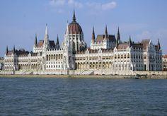Budapest. Parlamento y Danubio.