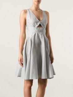 STELLA MCCARTNEY Vestido listrado  R$ 5.540,00R$ 2.770,00 12 x R$ 230,83 http://ad.zanox.com/ppc/?30691238C18628954&ULP=[[http://www.farfetch.com/br/shopping/women/stella-mccartney-vestido-listrado-item-10688201.aspx?storeid=9336&ffref=lp_195_&utm_source=zanox&utm_medium=Display&utm_campaign=custom_deeplink]]