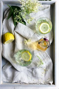 Very light, refreshing and fragrant cordial that can be enjoyed with some sparkling water, wine or champagne! Great for baking too! Cordial Recipe, Elderflower Cordial, Anna Banana, Banana Recipes, Fresh Rolls, Food Photography, Yummy Food, Baking, Classic