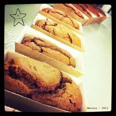 Noël sans senteurs de pain d'épices dans la maison, ça ne serait pas noël ! D'ordinaire je me contente de faire la recette du gâteau moelleux aux épices mais cette année j'ai voulu faire mon propre pain d'épices. Exit les pains d'épices de grande surfaces ( je trouve ça immangeable, je me souviens des tranchesEn savoir plus