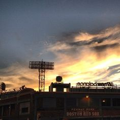 #nofilter #boston #fenwaypark #sunset #beautiful by gpolem05http://instagr.am/p/P0inyMNvUt/