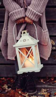 Love that lantern - Fall aesthetic Lantern, moody photo, autumn, October, November, candles #afflink
