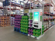 Point of Sale Merchandise Kiosk in Sams Club. Predict many more like this in the future. Scans card, knows its you. Street Marketing, Guerilla Marketing, Point Of Purchase, Point Of Sale, Exhibition Booth Design, Exhibition Stands, Exhibit Design, Pop Display, Display Design