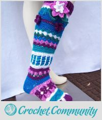 EDITOR'S CHOICE (02/22/2016) Flower Knee Highs by Donelda's Creations View details here: http://crochet.community/creations/4228-flower-knee-highs