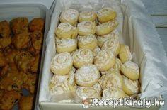 Kókuszhabos tekercs | Receptkirály.hu Sweet Cookies, Cake Cookies, Sweet Treats, Hungarian Recipes, Pretzel Bites, Nutella, Biscuits, Muffin, Food And Drink