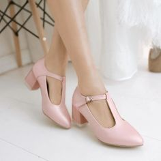 Vintage Retro Womens Pointed TOE T BAR Ankle Strap Block MID Heel Court Shoes…
