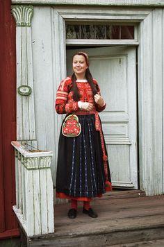 Skansen i Stockholm Sweden Costume, Vietnam Costume, Stockholm, Ukraine, Folk Clothing, Textiles, Folk Costume, World Cultures, Scandinavian Style