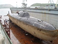"""The soviet Project 705 Лира (Lira, """"Lyre""""), known in the west as the Alfa-class submarines. With a maximum speed of 41 knots mph; 76 km/h) submerged, they were the world's fastest mass-produced. Utility Boat, Russian Submarine, Soviet Navy, Nuclear Submarine, Go Navy, Cabin Cruiser, Navy Military, Military Weapons, Navy Ships"""