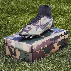 You better have skills if you're wearing these. You better have skills if you're wearing these. You better have skills if you're wearing these. Best Soccer Cleats, Nike Cleats, Soccer Gear, Football Gear, Soccer Stuff, Cool Football Boots, Soccer Boots, Football Shoes, Football Cleats