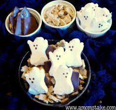 Easy Halloween Treats – S'mores Graveyard Recipe!
