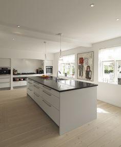 tidløst sort og hvidt køkken