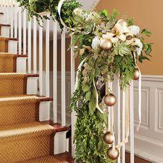 Christmas Decorating Ideas: Staircase Christmas Garland