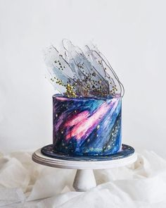 Bolo Galáxia- Dicas e Modelos bolo decorado galaxia 3 More from my site 5 Healthy Toast Topping Ideas Shredded Buffalo Chicken Stuffed Sweet Potatoes Pretty Cakes, Cute Cakes, Beautiful Cakes, Amazing Cakes, Bolo Geode, Geode Cake, Fancy Cakes, Mini Cakes, Cupcake Cakes
