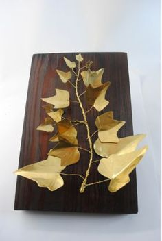 Κλαδί κισσού από ορείχαλκο σε ξύλινη βάση Diy And Crafts, Mixed Media, Metal, Metals, Mixed Media Art