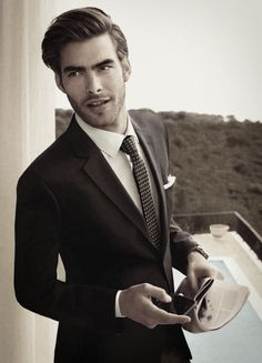 m-homme: Men's Hair Stylisations Jon Kortajarena Jon Kortajarena, Mens Hairstyles Pompadour, Side Part Hairstyles, Men's Hairstyles, Hairstyle Men, Mode Masculine, Sharp Dressed Man, Well Dressed Men, Fashion Books