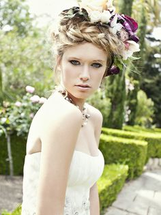 loving this hair and makeup for the big day #hair #makeup #wedding #crown http://www.forgetmenotstudios.com/