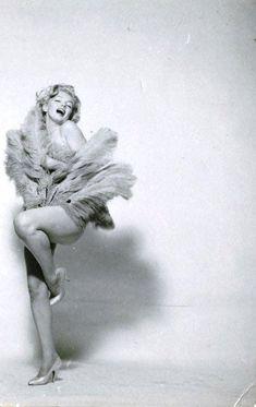 Marilyn Monroe by Richard Avedon, Marilyn Monroe Kunst, Marilyn Monroe Artwork, Norma Jean Marilyn Monroe, Vintage Hollywood, Classic Hollywood, Richard Avedon, Norma Jeane, Grace Kelly, Ikon