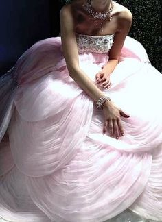 Reese Witherspoon: Blushing Bride in Light Pink Wedding Dress Pink Gowns, Pink Dress, Pink Tulle, Tulip Dress, White Dress, Beautiful Gowns, Beautiful Outfits, Gorgeous Dress, Gorgeous Gorgeous