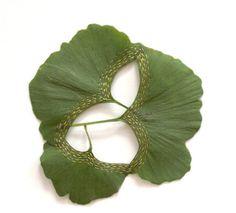 Feuilles de plante brodée (galerie)   Etrange et Insolite