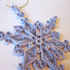 quilled snowflake--I need to pull out my quilling stuff and try this again =)