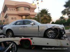 Rolls-Royce Phantom crashed in Riyadh, Saudi Arabia