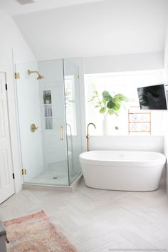 Bathroom decor for your master bathroom remodel. Learn master bathroom organization, bathroom decor suggestions, master bathroom tile some ideas, bathroom paint colors, and much more. Bathroom Renos, Bathroom Renovations, Bathroom Makeovers, Bathroom Mirrors, Master Bathrooms, Bathroom Cabinets, White Bathroom, Master Baths, Marble Bathrooms