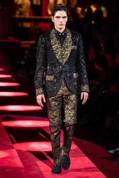 Dolce & Gabbana Fall 2019 Menswear Fashion Show Stylish Mens Fashion, Suit Fashion, Daily Fashion, Dolce And Gabbana 2017, Domenico Dolce & Stefano Gabbana, Male Fashion Trends, Male Model, Fashion Show Collection, Couture Fashion