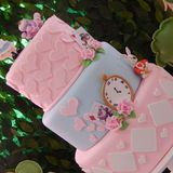 32 Ideas For Tea Party Table Decorations Girl Birthday Alice In Wonderland Tea Party Birthday, Alice In Wonderland Cakes, Vintage Birthday Parties, Birthday Party For Teens, Tea Party Table, Adult Christmas Party, Girl Birthday Decorations, Table Decorations, Summer Party Themes