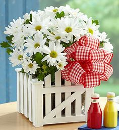 I love the simplicity of this for a BBQ centerpiece!