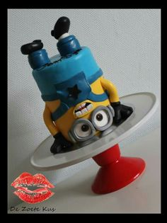 Fantastic Minion cake - found on pinterest - For all your cake decorating supplies, please visit craftcompany.co.uk