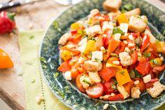 Heiße Schote: Paprika-Salat mit Pinienkernen