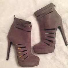Taupe Caged Gladiator Platform Stilettos NWOB Super sexy taupe caged gladiator platform stilettos by Just Fab. Brand new without box. ❌ NO TRADES ❌ NO PP❌ NO LOWBALLING ❌ JustFab Shoes Platforms
