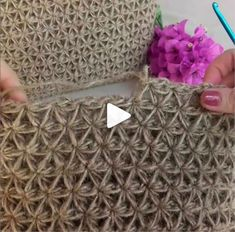 How to knit Jasmine Stitch video tutorial - Crochet - Tutorials - Slideit. Crochet Tote, Knit Crochet, Chrochet, Crochet Stitches Patterns, Knitting Patterns, Knitting Stitches, Diy Crafts Crochet, Linen Stitch, Crochet Abbreviations