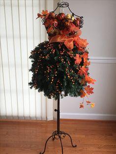 244 Best Floral Design Mannequins Images Floral Design Window