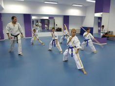 Antrenament karate Bo Karate, Desk, Desktop, Table Desk, Office Desk, Desk Office, Writing Bureau
