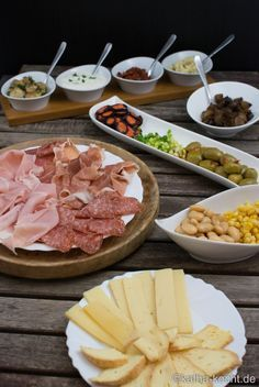 Italian_Raclette_ The post Italian raclette appeared first on Woman Casual - Food and drink Fondue Recipe Melting Pot, Broth Fondue Recipes, Melting Pot Recipes, Raclette Recipes, Wonton Recipes, Pork Recipes, Sauce Recipes, Fondue Raclette, Cheese