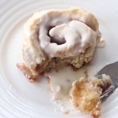 cinnamon rolls homemade no yeast video & cinnamon rolls homemade no yeast - cinnamon rolls homemade no yeast easy - cinnamon rolls homemade no yeast no milk - cinnamon rolls homemade no yeast video No Yeast Cinnamon Rolls, Pan Relleno, Mexican Dessert Recipes, Sweet Recipes, Baking Recipes, Yummy Food, Cinnabon Recipe Without Yeast, Sicilian Food, Strawberry Desserts