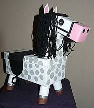 horse to surprise snbel and easy crafts - Tiere Diy For Kids, Cool Kids, Crafts For Kids, Valentine Day Boxes, Valentines For Kids, Diy Crafts To Do, Easy Crafts, Cadeau Surprise, Surprise Surprise
