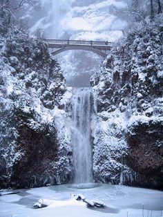 Multnomah Falls Is Nearly Frozen - Columbia River Gorge, Oregon Dec. 2008