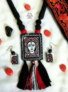 29 New Ideas For Embroidery Jewelry Jewellery Ideas Fancy Jewellery, Thread Jewellery, Textile Jewelry, Embroidery Jewelry, Fabric Jewelry, Clay Jewelry, Metal Jewelry, Jewelry Crafts, Jewelry Armoire