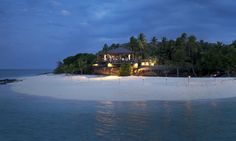 Check out the Vomo Island Fiji Image and Social galleries and see for yourself the delights that aait on your luxury holiday to Fiji. Mr And Mrs Smith, Luxury Holidays, Island Resort, Sandy Beaches, Fiji, Holiday Destinations, The Good Place, Mansions, World