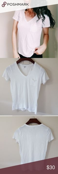 Madewell | v-neck pocket tee | S In excellent condition! Beautiful Madewell simple v neck pocket tee size small. Loose fit. Used item- inspected for quality. Any wear or use is shown in pictures. Bundle up! Offers always welcome:) Madewell Tops