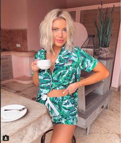 Happy Monday ☕️ Wish I could wear these pjs all day 🌴💚 Monday Wishes, Happy Monday, Laura Jade Stone, Mom Wardrobe, Merian, Boho Tops, Everyday Outfits, Pjs, New Look