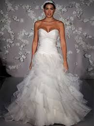 Risultati immagini per abiti da sposa economici